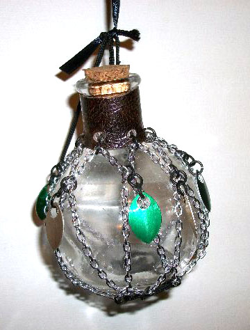 You are browsing images from the article: My pretty potion bottles